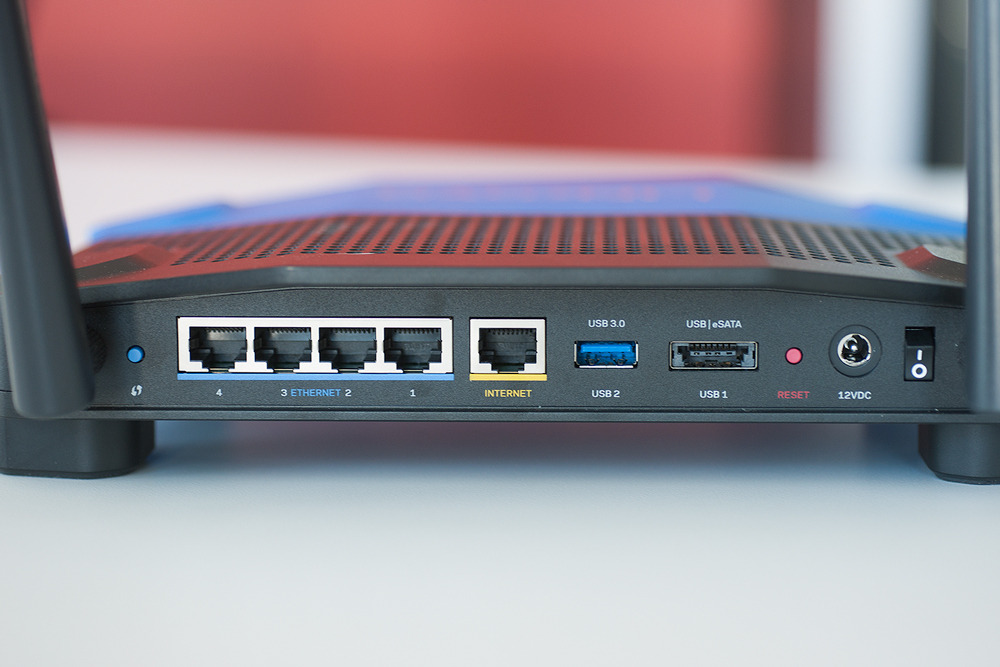 Linksys-WRT1900ACS-Rear