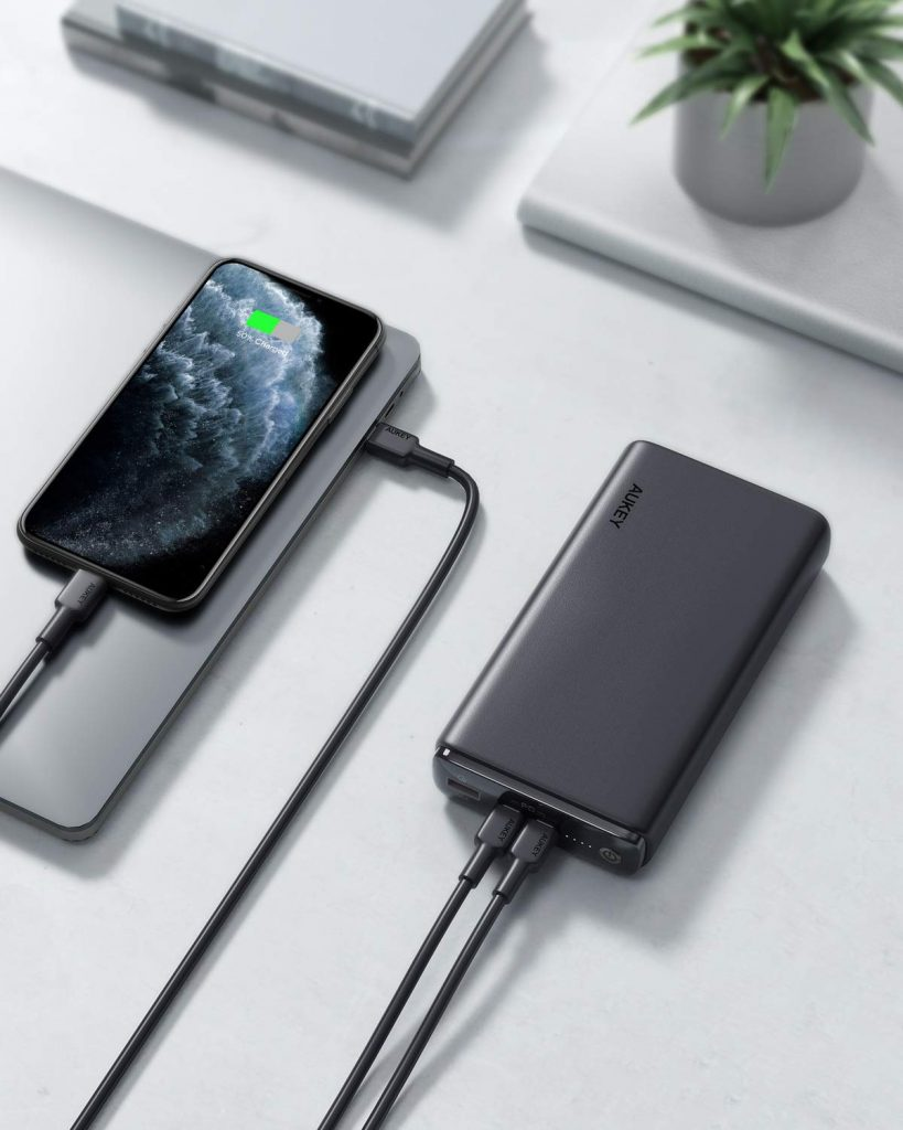 Aukey PB-Y24 Charge Laptop and iPhone