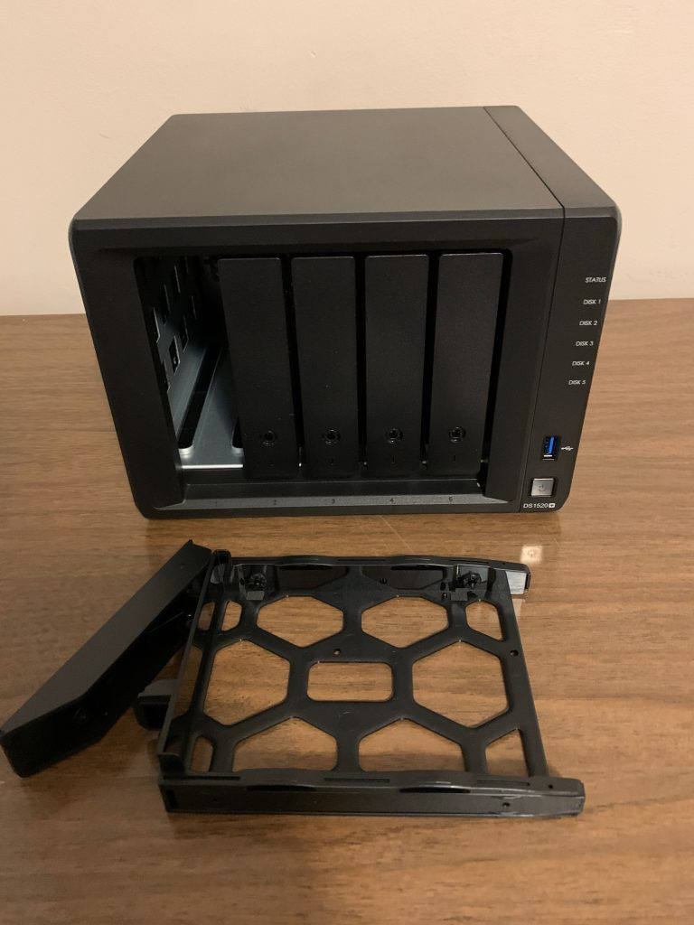 Synology DS1520 - Disk Carrier